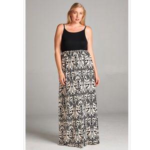 Classy Plus Size Black White Print Maxi Dress